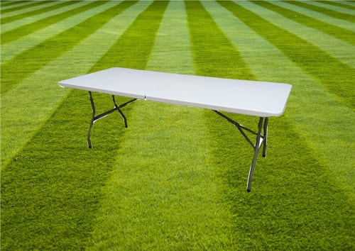 2 Folding Plastic Tables 1337